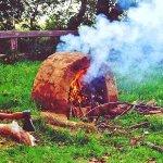 Lehmofen-mit-Feuer